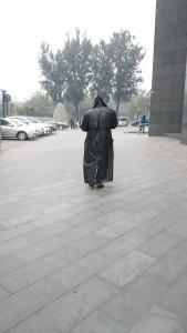 I walked behind Morpheus on my way to work / Jeg gikk bak Morpheus paa vei til jobb